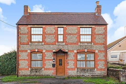 3 bedroom detached house for sale - Deverill Road, Warminster