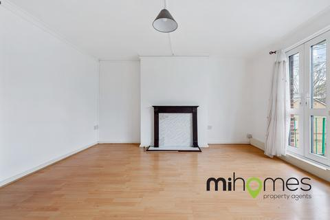 3 bedroom flat for sale - High Road, London