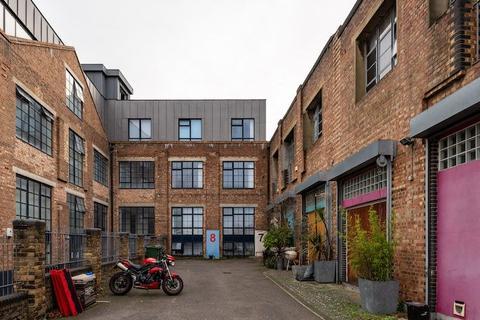 1 bedroom terraced house for sale - Blenheim Gardens, London