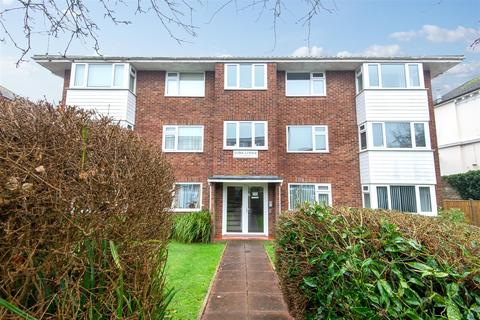 2 bedroom flat for sale - Victoria Road, Worthing