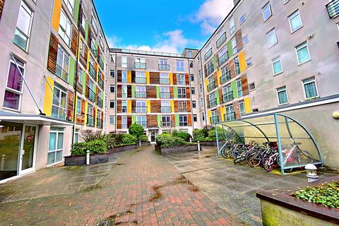 2 bedroom flat for sale - Foster House, Maxwell Road, Borehamwood