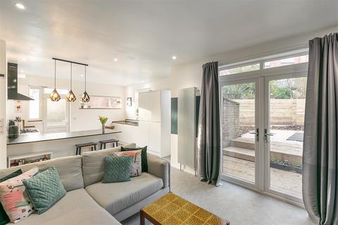 2 bedroom flat - Springbank Road, Sandyford, Newcastle upon Tyne