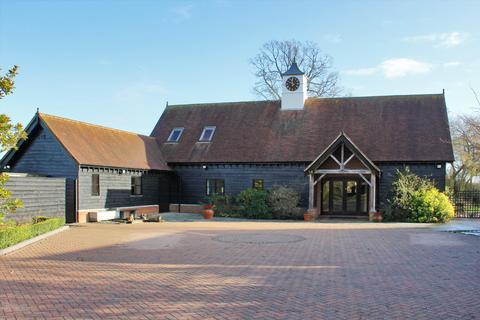 4 bedroom barn conversion for sale - Skeynes Park, Lingfield Road, Edenbridge, Kent, TN8