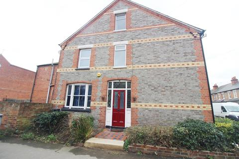 4 bedroom end of terrace house to rent - Beresford Road, Reading, RG30