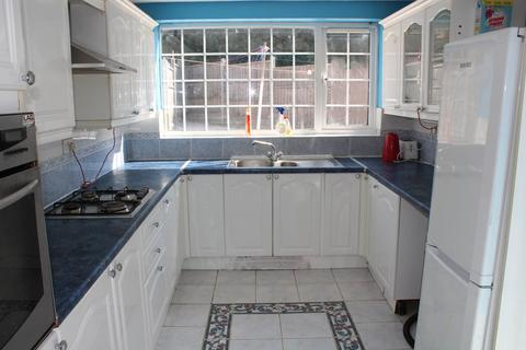4 bedroom semi-detached house to rent - Davenport Road, Leicester