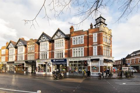 2 bedroom flat for sale - The Green, Ealing, London