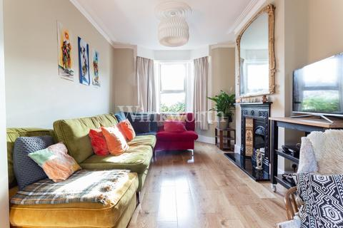 3 bedroom terraced house for sale - Graham Road, London, N15