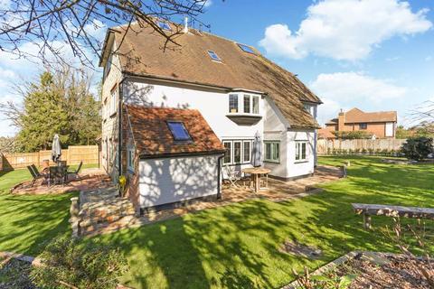5 bedroom detached house for sale - School Hill, Wrecclesham, Farnham