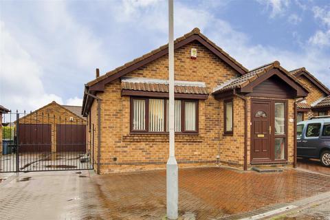 2 bedroom detached bungalow for sale - East View, West Bridgford, Nottinghamshire, NG2 7QN
