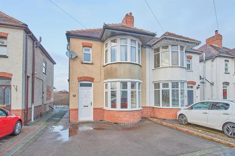 3 bedroom semi-detached house - Langdale Road, Hinckley