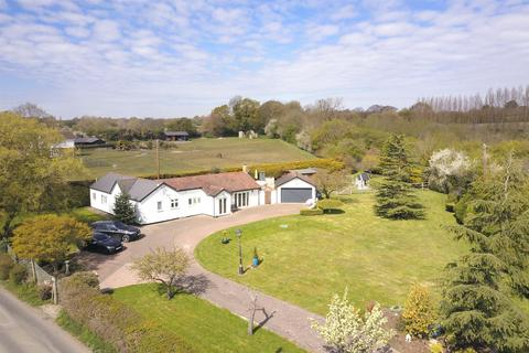 3 bedroom detached bungalow for sale - Lower Stock Road, West Hanningfield