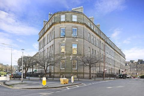 2 bedroom flat to rent - Montgomery Street, Edinburgh, EH7