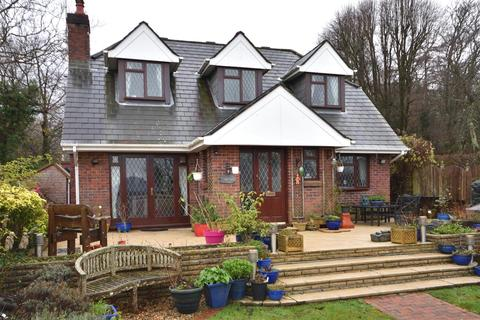 3 bedroom detached house for sale - Cecil Road, Gowerton, Swansea