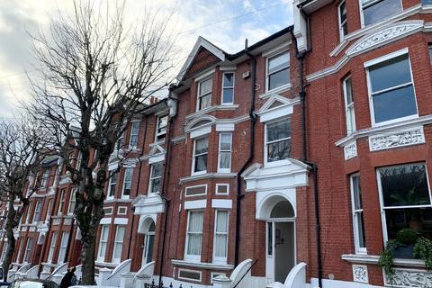 1 bedroom flat to rent - st james Avenue