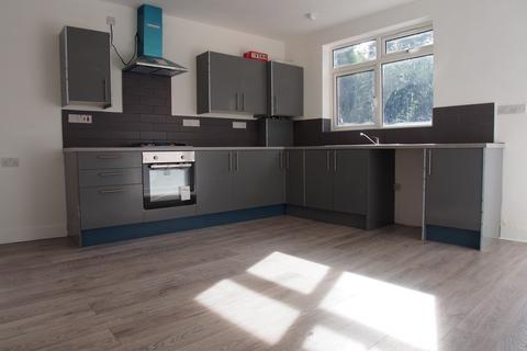 3 bedroom flat to rent - Arthur road, N9