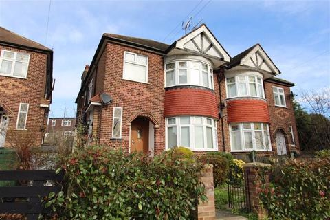 3 bedroom maisonette to rent - Endlebury Road, North Chingford, London