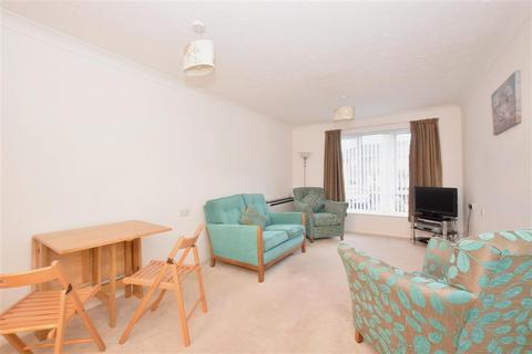 1 bedroom flat for sale - Holman Close, Waterlooville, Hampshire