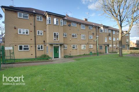 1 bedroom flat for sale - Barnstaple Road, Romford