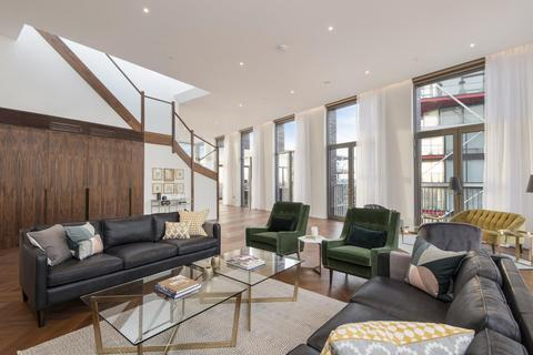 3 bedroom apartment to rent - Capital Building, Embassy Gardens, London, SW11
