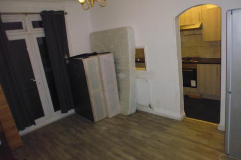 5 bedroom terraced house to rent - Longmead Road, Tooting, London SW17