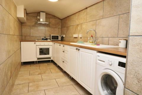 Studio to rent - Crouch Hill, London