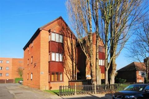 Studio to rent - Ashbourne Road, Ealing,  W5