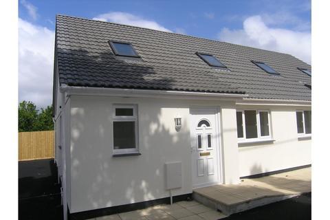 3 bedroom semi-detached house - Trelawson Park, Stray Park Road, Camborne