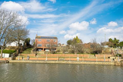 6 bedroom detached house for sale - Sileby Road, Leicestershire, LE12