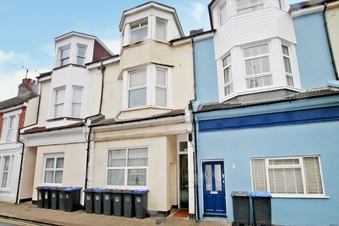1 bedroom flat - Thorn Road, Worthing BN11 3ND