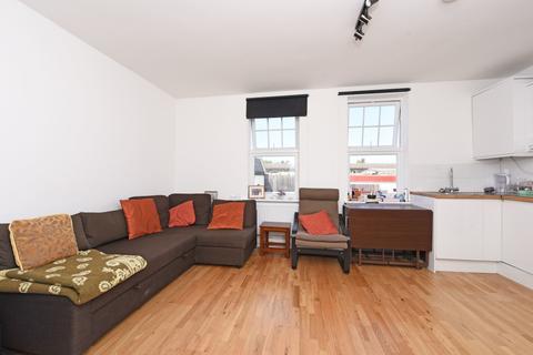 2 Bedroom Flat To Rent   Sheen Lane, East Sheen, SW14