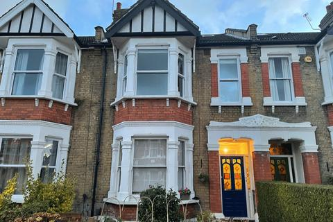 3 bedroom flat to rent - Dover Road, London