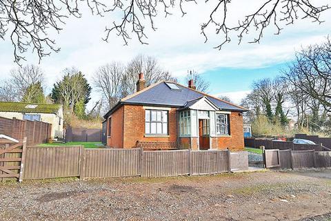 3 bedroom detached bungalow to rent - Liverton Hill , Lenham ME17