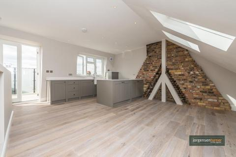 2 bedroom flat for sale - Ormiston Grove, Shepherds Bush, London, W12 0JS
