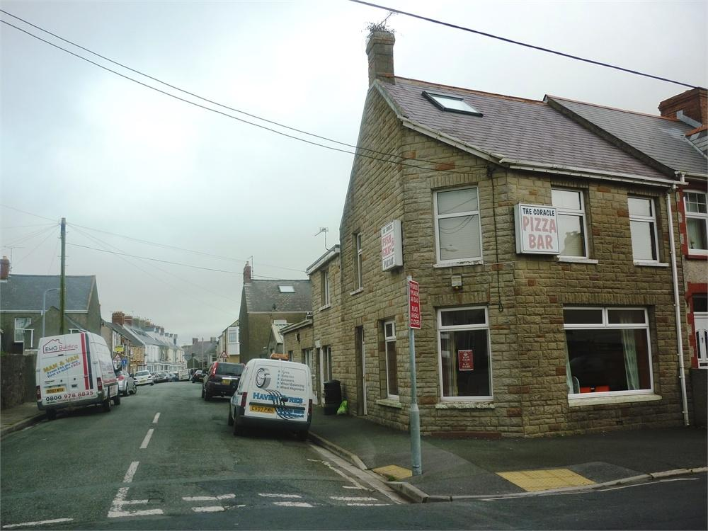 5 Bedrooms Semi Detached House for sale in Coracle Chip Shop, 16 Shakespeare Avenue, MILFORD HAVEN, Pembrokeshire