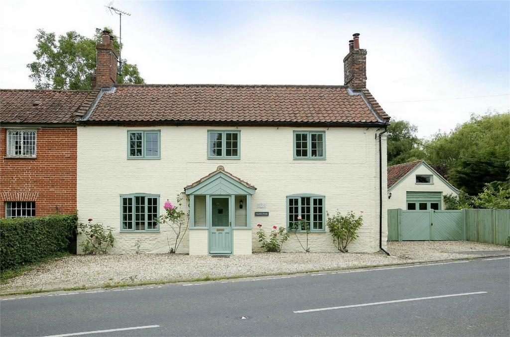 4 Bedrooms Cottage House for sale in Fakenham Road, East Bilney, Dereham, Norfolk