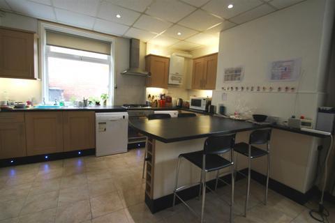 4 bedroom house - 97 Roebuck Road, Crookesmoor, Sheffield