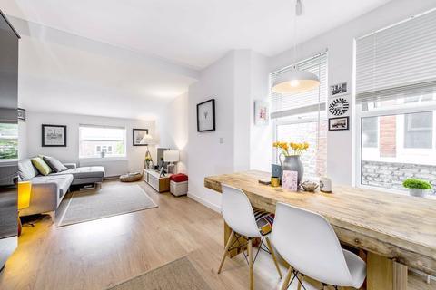 1 bedroom flat - Kingswood Road, Brixton, London