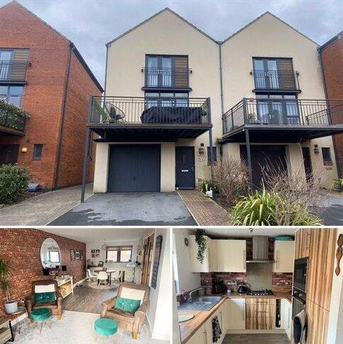3 bedroom townhouse for sale - Yr Hafan, Marina, Swansea