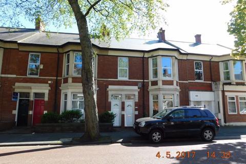 2 bedroom flat - Queen Alexandra Road