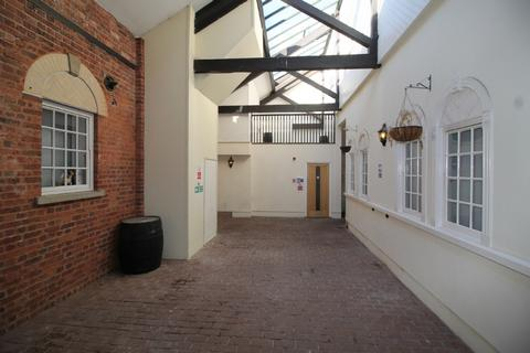 3 bedroom flat to rent - 3 The Courtyard St Anne's Well
