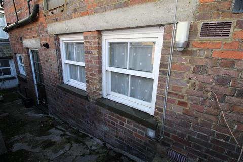 Property to rent - William Street, Markyate, St. Albans