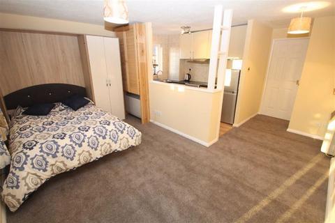 1 bedroom apartment to rent - Pomander Crescent, Walnut Tree, Milton Keynes