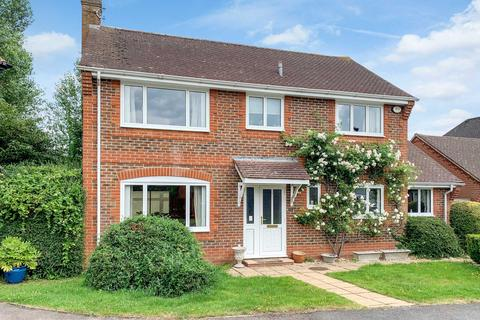4 bedroom detached house for sale - Angood Close, Princes Risborough