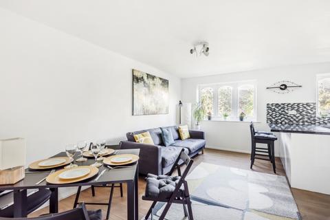 1 bedroom flat - Rouel Road London SE16