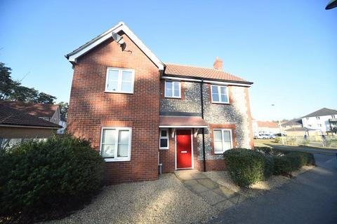4 bedroom detached house to rent - Heathland Way, Mildenhall, Bury St Edmunds, Suffolk, IP28