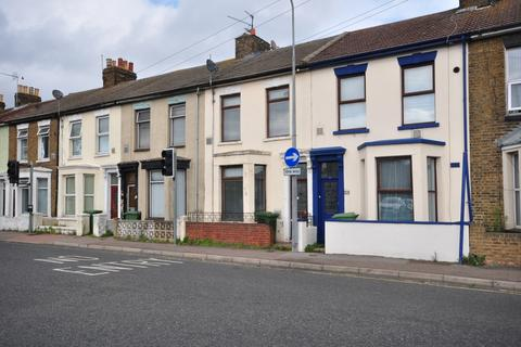 3 bedroom terraced house - Trinity Road Sheerness ME12