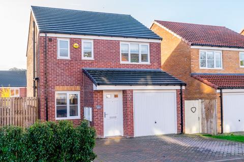 3 bedroom detached house for sale - Settle Vale, Morley, Leeds