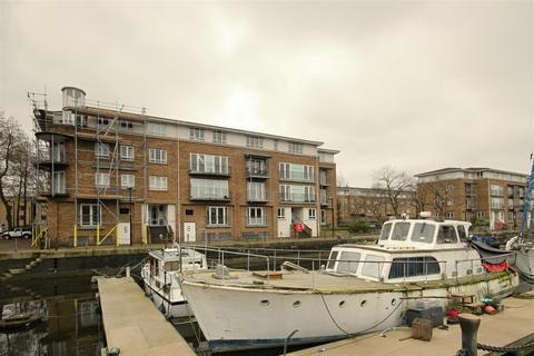3 bedroom flat to rent - Rainbow Quay SE16