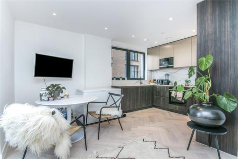2 bedroom flat for sale - Luxe Tower, 12 Dock Street, London, E1