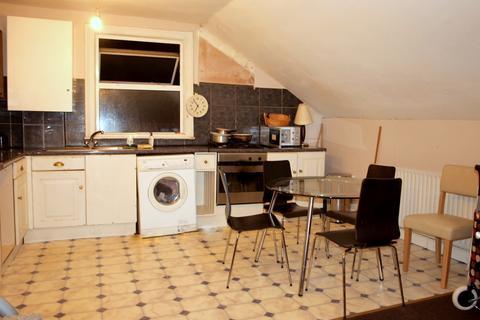 3 bedroom flat - Upper Tulse Hill, Brixton